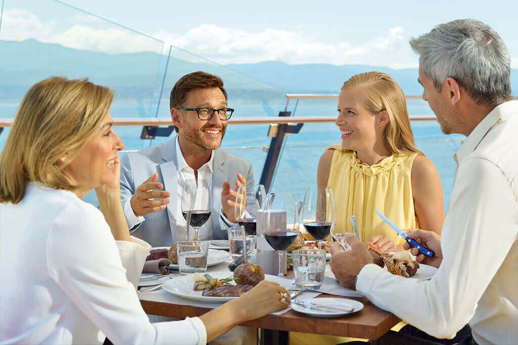 Abendessen-an-Deck-TUI-Cruises