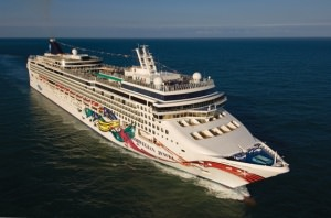 02_Norwegian_Jewel_Aerial_2